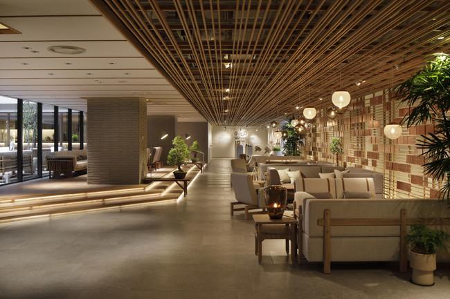 京都の奥座敷・貴船をイメージしてデザインされた4階ロビー