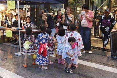 地域からも愛される鴨台盆踊りは地域のお子様も参加(2019年度)