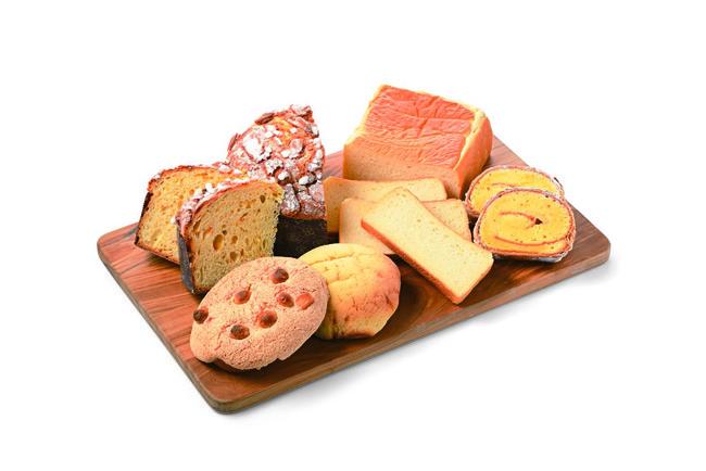 1.マスカルポーネ食パン(写真右奥)、2.ザクザクマカデミア(写真左手前)