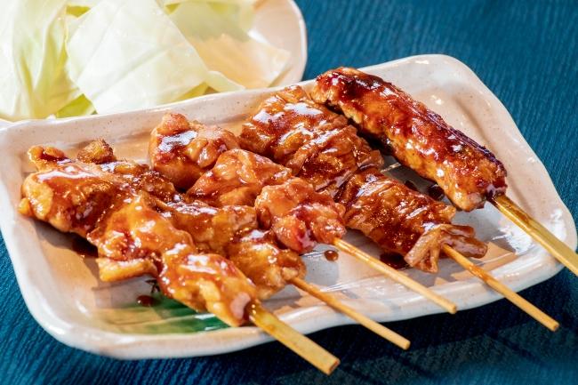 タレセット(鶏もも串・つくね串・鶏ハラミ串・牛シマ腸串・豚白モツ)