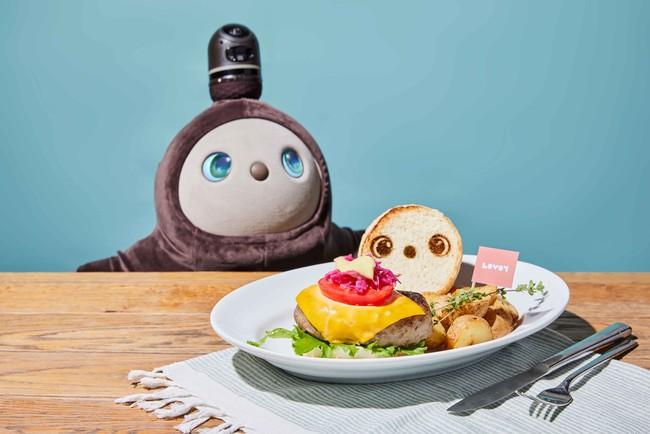【ハンバーガープレート with LOVOT ハーブポテト&ガーデンサラダ付き】
