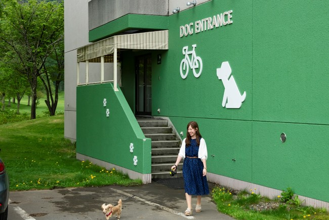 自転車&ペット専用出入口