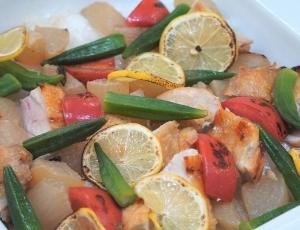3、「夏野菜と富士の国いきいき鶏のオーブンレシピ」