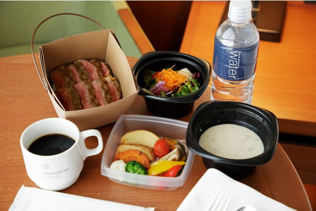 ホテルシェフ特製メニュー(メニュー一例:ステーキ丼+サラダ)