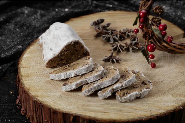 ドイツの伝統的なクリスマスの発酵菓子シュトレン