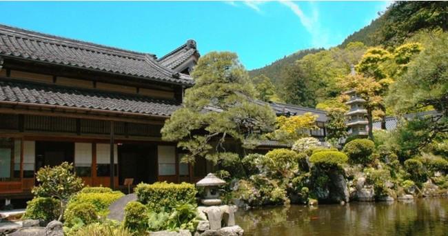 鳥取藩の宿場町として栄えた智頭町。写真は、重要文化財『石谷屋住宅』。