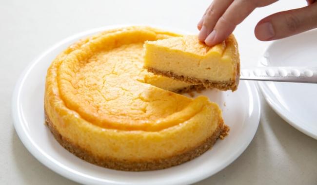 栗原はるみのチーズケーキ 3,700円+税(クール便手数料含む)