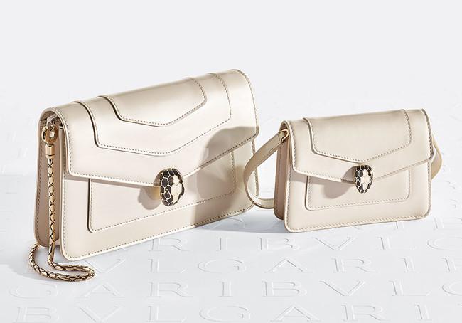 「セルペンティ」ヴァニッシュカーフ、ホワイトアゲート バッグ180,000円、クロスボディミニバッグ 75,000円
