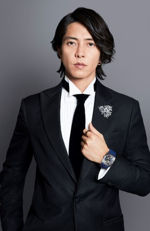 (C) Kazuyoshi Shimomura
