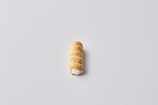 生クリーム純生クリームを使用。乳のまろやかな風味がシンプルに感じられ、さっぱりと甘さ控えめで後味も軽やか。