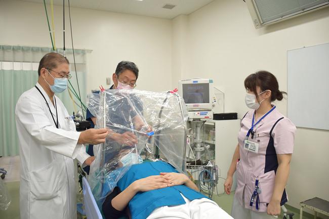 香川県立中央病院より使用後の洗浄、消毒が容易な製品のご要望をいただき新たなモデルの開発に着手