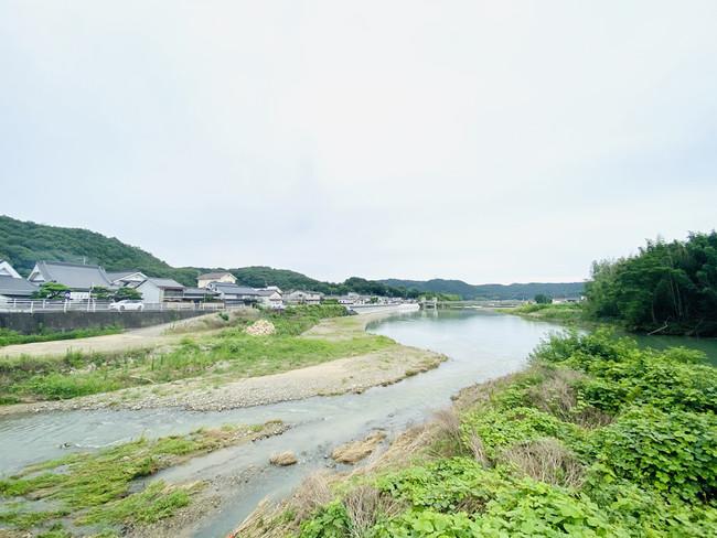 岡山県井原市を流れる小田川