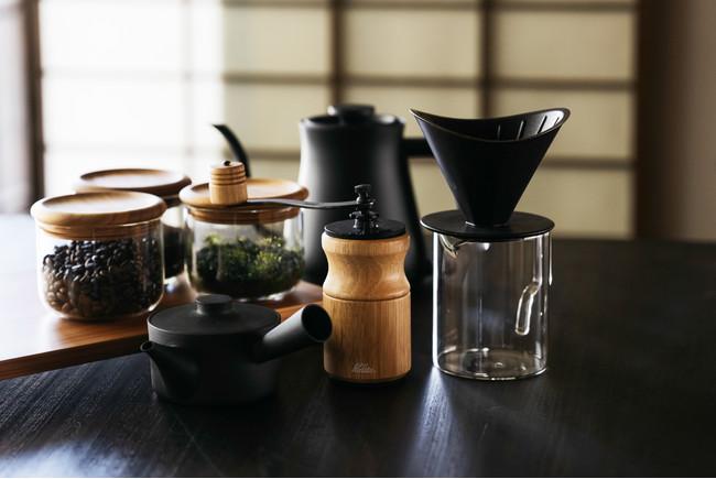 フリードリンクで地域の焙煎所・塒珈琲の豆と井ケ田製茶のお茶をご用意しています。
