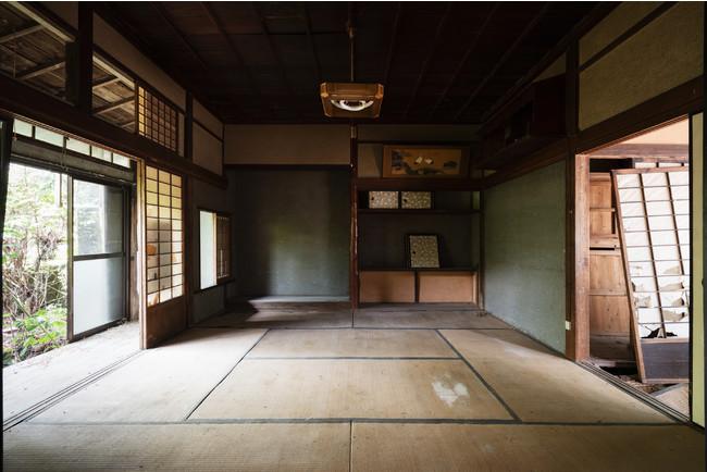 リノベーション前の古民家の和室。現在はソファのあるダイニングルームになっています。
