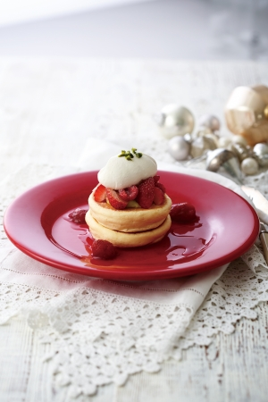 いちごとフランボワーズのパンケーキ~クリスマスの装い~2