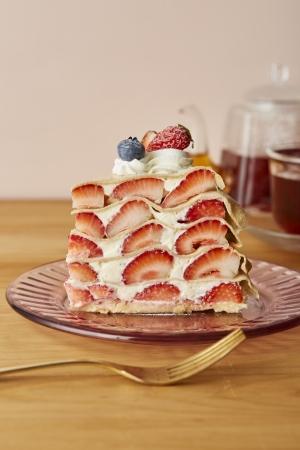 アフタヌーンティー・ラブアンドテーブル「苺のミルクレープ」