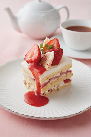 苺とプラリネクリームのショートケーキ