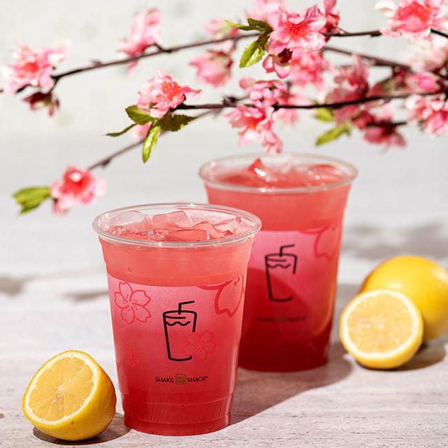 ■桜レモネード ※上記カップは日本仕様と異なります。