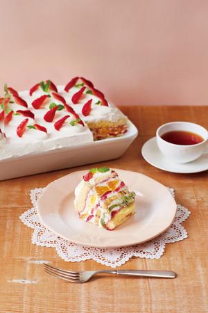 アフタヌーンティー40 周年記念たっぷりフルーツのトライフルショートケーキ
