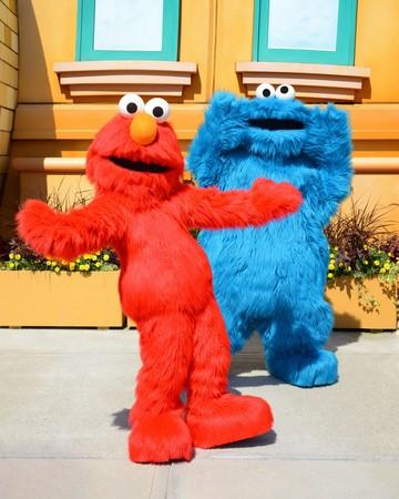 エルモとクッキー・モンスター