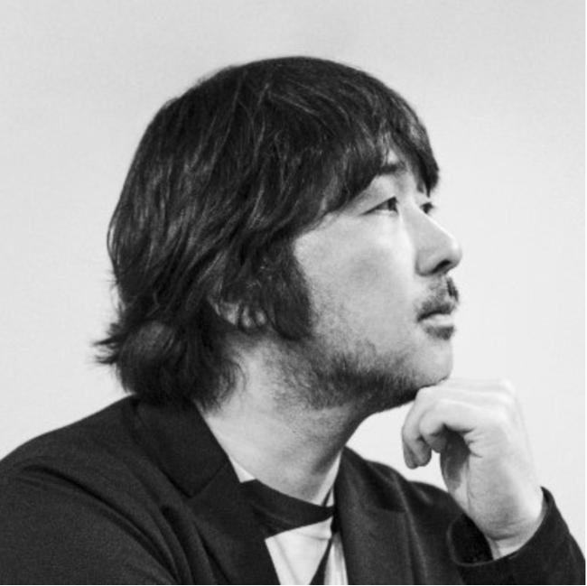 デザイナー前田高志さん