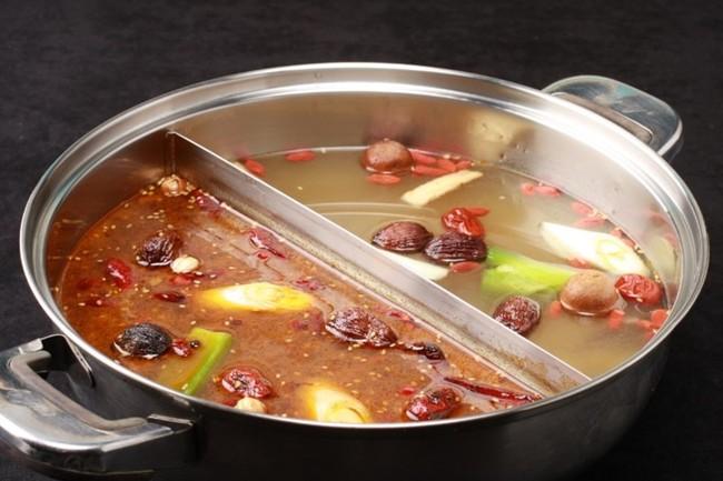 薬膳火鍋のスープ