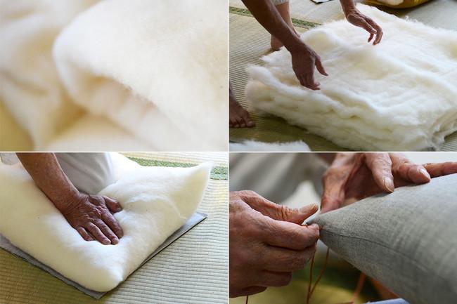 小座布団の中綿は、インド綿の中でも野生種に近い高品質な綿花のコットン。通常の倍量を使用しているため、熟練の技が必要。