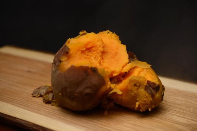 黄金芋_伊計島の特産品で黄金色で甘いのが特徴