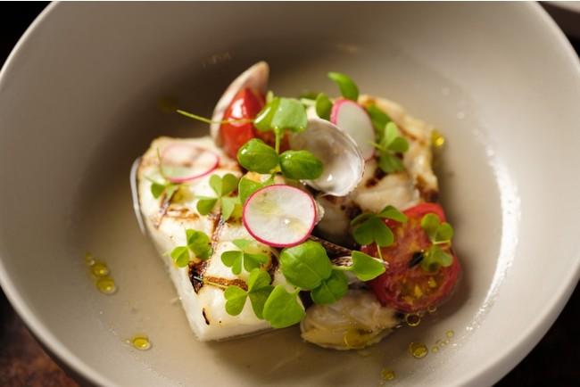 能登河豚と真鯛のアクアパッツァ 能登野菜とプティトマト添え