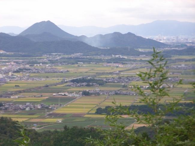 近江富士として名高い三上山