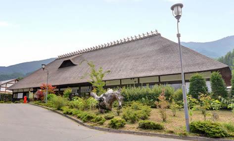 2位:長野県 かやぶきの館(外観)
