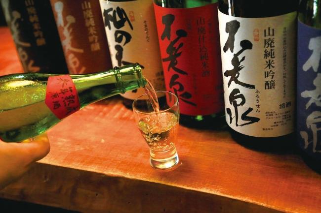 上原酒造:全量木槽天秤しぼりのお酒(イメージ)