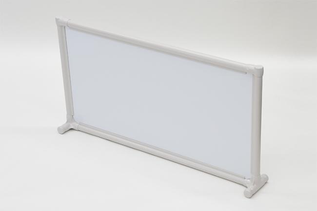 <パーソナルスペース 白板パネルタイプ> ●品番:EPS-9045 W ●サイズ:間口968×奥行140×高さ518mm ※パネル:白板