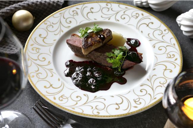 鴨肉のロースト じゃがいものピューレ ブルーベリーソース