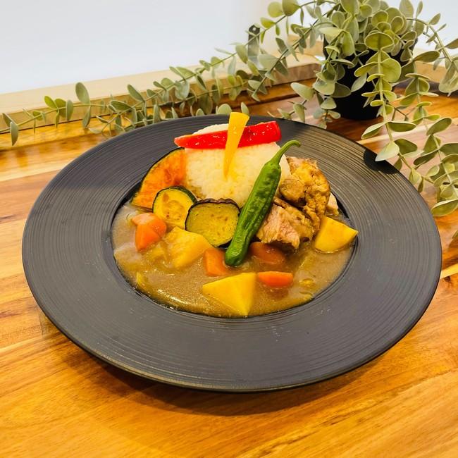 新鮮野菜たっぷりのオリジナルスープカレー
