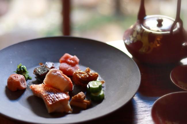 トッピング例:お漬物、旬魚、梅干し、明太子 等