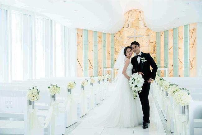 洋装プランは光溢れる純白の「光のチャペル」で