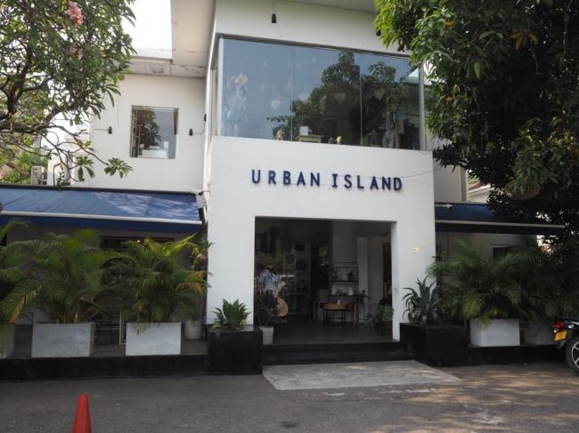 スリランカの人気ショップ「Urban island」の商品も購入することができます。