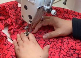 1センチあたり6針の細かさで縫うため、縫い目が目立たずキレイで丈夫に仕上がります。