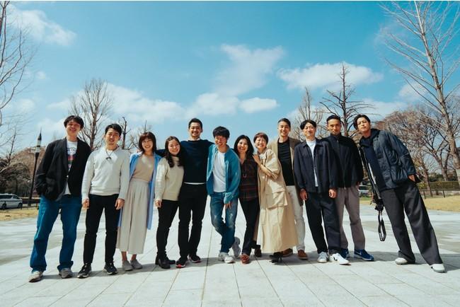 左から5番目がCEO 福島弦、6番目がFounder 兼 Brand Director 本間貴裕