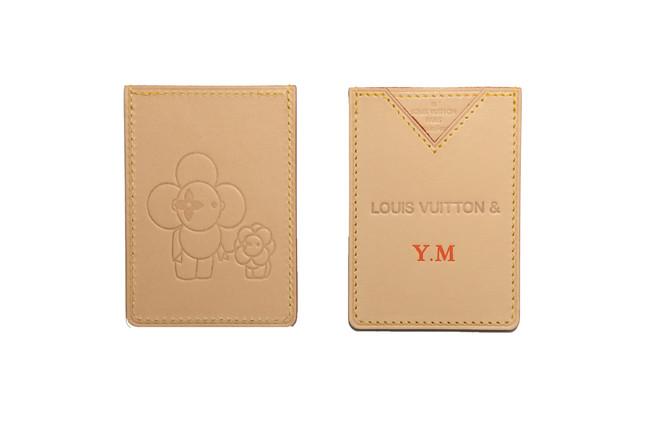 カードケース 31,000円(税抜)