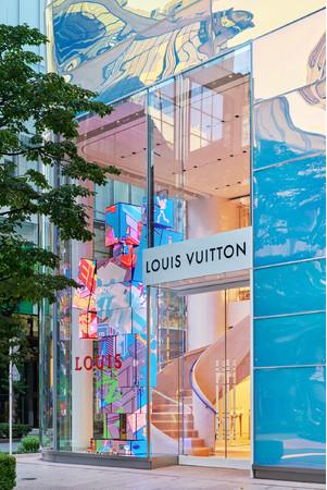 銀座並木通り店 (C)LOUIS VUITTON_YASUHIRO TAKAGI