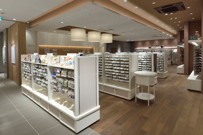 本店の売場面積と商品数(約6万点以上)は世界トップレベル