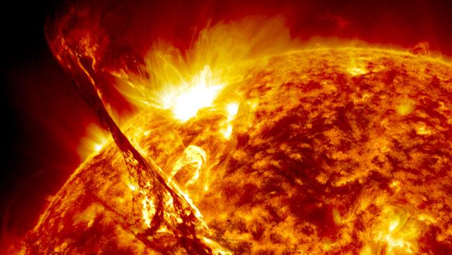 太陽観測衛星SDOがとらえたプロミネンス