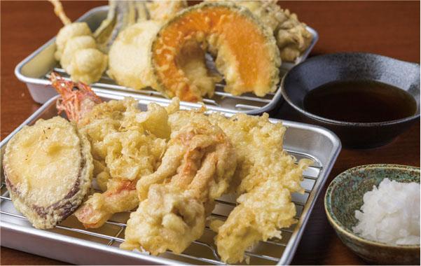 新鮮野菜と産直魚介が揚げたてサクサク!
