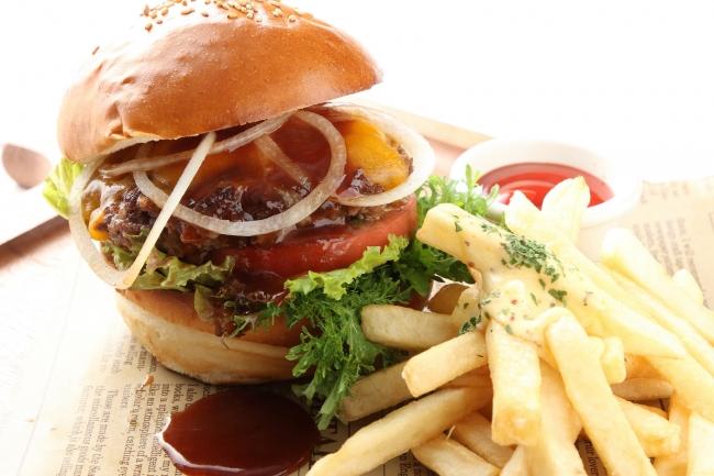 ■100%ビーフバーガー 1,580円(税抜)