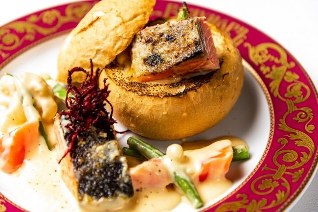 トラウトサーモンと野菜のクリームパングラタン