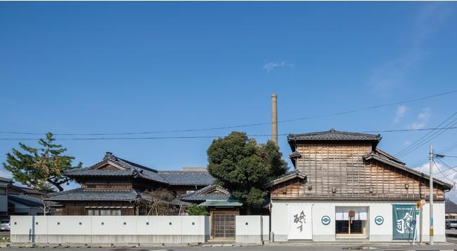 今代司酒造外観。新潟駅から徒歩15分の「沼垂(ぬったり)」エリアに蔵を構える