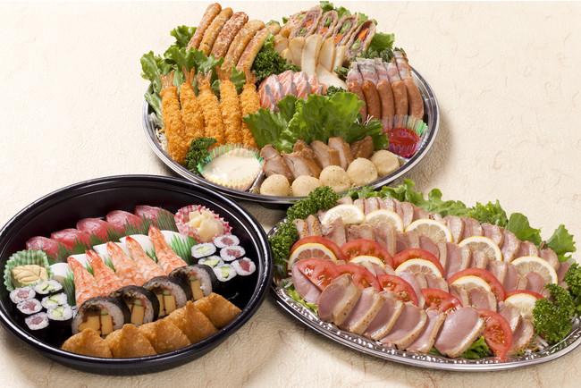「左:パーティー握り寿司、右:季節野菜と合鴨ロースの和風サラダ、上:賑わいオードブル」