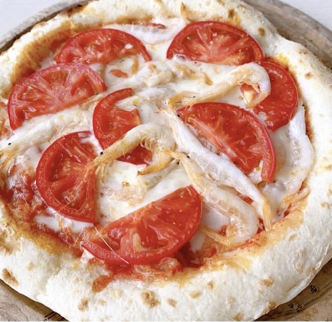 白海老とフルーツトマトピザ